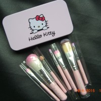 KUAS HELLO KITTY KALENG 7 PCS / HELLO KITTY BRUSH SET 7 IN 1