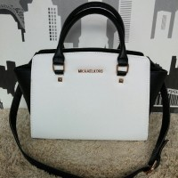 Michael Kors MK Selma medium White-Black