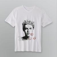 Jual Niall Horan Kiss One Direction 1D kaos Vneck t-shirt tees DTG A3 putih Murah