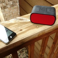 Logitech UE Mobile Boombox Merah Portabel Wireless Bluetooth Speaker