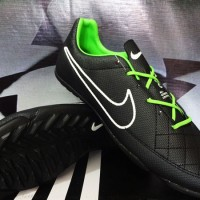 Sepatu Futsal,bola,Nike Tiempo Hitam Hijau Gerigi KW Super