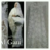Mukena Azizah Al Gani ( Syahrini )