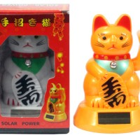 Boneka Kucing Hoki Solar Maneki Neko Medium