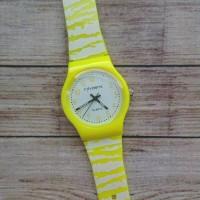Jam Tangan Favorite Kuning
