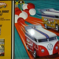 harga VW DragBus - Mongoose VS Snake Drag Race Set - HotWheels Classic Tokopedia.com