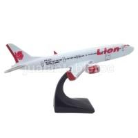 harga Miniatur Pesawat Terbang Lion Air 20x17x12cm - Fiber Glass Tokopedia.com