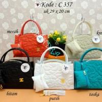 harga c357 Tas Wanita Chanel, Gues, Dior, LV, Tods, Prada, MK, Valentino Tokopedia.com