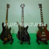 harga Miniatur Gitar Dan Bass Avenged Sevenfold Lengkap Tokopedia.com