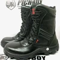pichboy delta safety hitam