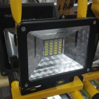 FLOODLIGHT / LAMPU SOROT PORTABLE 3BATRE+30LED SMD+DUAL LED STROBO