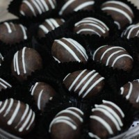 harga Kurma isi kacang mede lapis coklat (coklat kurma) berat 500 gram lezat Tokopedia.com