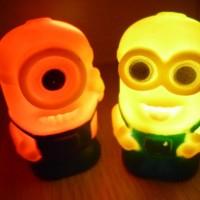 Lampu 7-Warna Berbentuk Minion