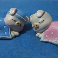 PAJANGAN MINIATUR SEPASANG BABI TIDUR / SLEEPING PIGGY PIG COUPLE (S)