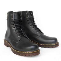 harga Sepatu Boots Docmart Dr Martens Pria Wanita 8 Lubang / Hole - Kulit Tokopedia.com
