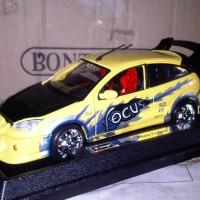Diecast burago 1:24 - Ford Focus kuning