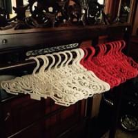 Gantungan Hanger Baju Motif Batik Design Elegan Butik Display Distro 5