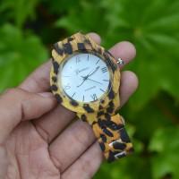 Jam Tangan Geneva Leopard 01