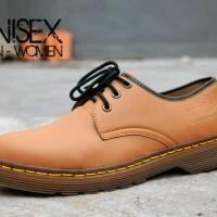 harga Sepatu Murah Dr. Martens Low Boots Unisex Man-woman Tan Tokopedia.com