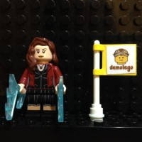 LEGO Original Minifigure Scarlett Witch