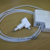 "MAGSAFE 45W-Charger Macbook Air 11/13"" Output : 14.5V 3.1A Power : 45"