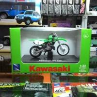 Miniatur Diecast Motor Trail Kawasaki KX 250 1:32 by NewRay