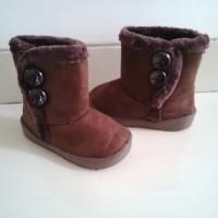 Sepatu Boot Kancing Coklat