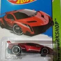Hotwheels Lamborghini Veneno merah