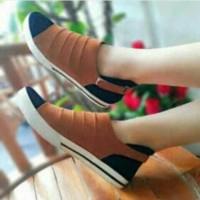 Flat Shoes Sneakers Tan