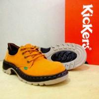 Sepatu Boots KK278