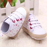 Sepatu Bayi Perempuan Prewalker Sneakers Floral