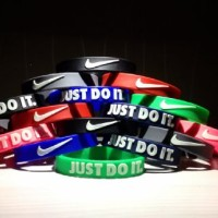 Gelang Nike Just Do It (Glow In the Dark)