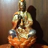 Patung Dewi Kwan Im (Kuan Yin) Duduk Di Lotus Pegang Vase-Warna Warni2