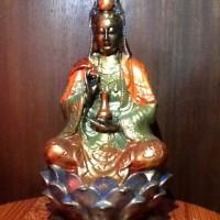Patung Dewi Kwan Im (Kuan Yin) Duduk Di Lotus Pegang Vase-Warna Warni3