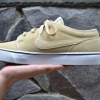 Sepatu Nike Toki Low LTHR (Leather), Sand Dune ORIGINAL