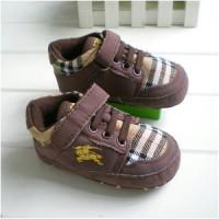 prewalker burberry coklat sepatu bayi baby toddler balita