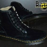 Sepatu Dokmar Dr martien 8 Lubang