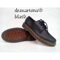 Sepatu Dokmar Dr Martiens black Hitam
