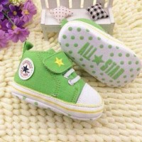 Sepatu Prewalker Bayi merk ALL STAR warna hijau