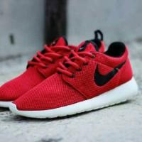 sepatu nike rosherun man 14 red merah list hitam 5aa1bc71a9
