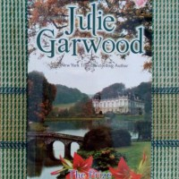 Novel The Prize (Penaklukan Cinta) - Julie Garwood