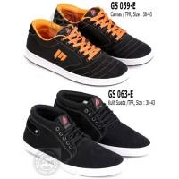 Sepatu Sneakers yang lagi Trend