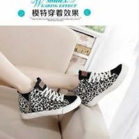 sepatu boot wanita leopard