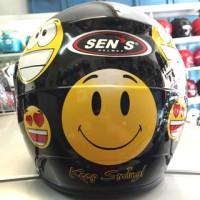 Helm BBM emoticon Smile