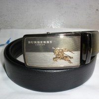 ikat pinggang kulit branded BURBERRY