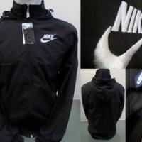 Jaket Parasut Nike Warna Hitam