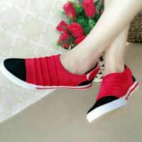 Flat Shoes Sneacker Merah