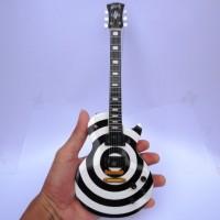 harga Miniatur Gitar Gibson Les Paul Zakk Wylde Bulleyes Tokopedia.com