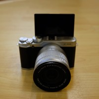 Fujifilm X-A2 Kit 16-50 + 16GB Silver (PT. Fujifilm Indonesia)