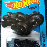 Hotwheels ARKHAM Knight Batmobile Batman