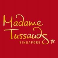 Madame Tussaud September Ceria (dewasa)